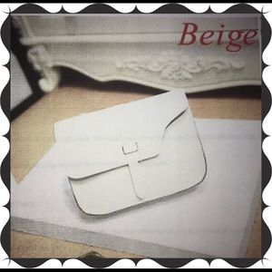 Handbags - Brand New Beige Purse 👛